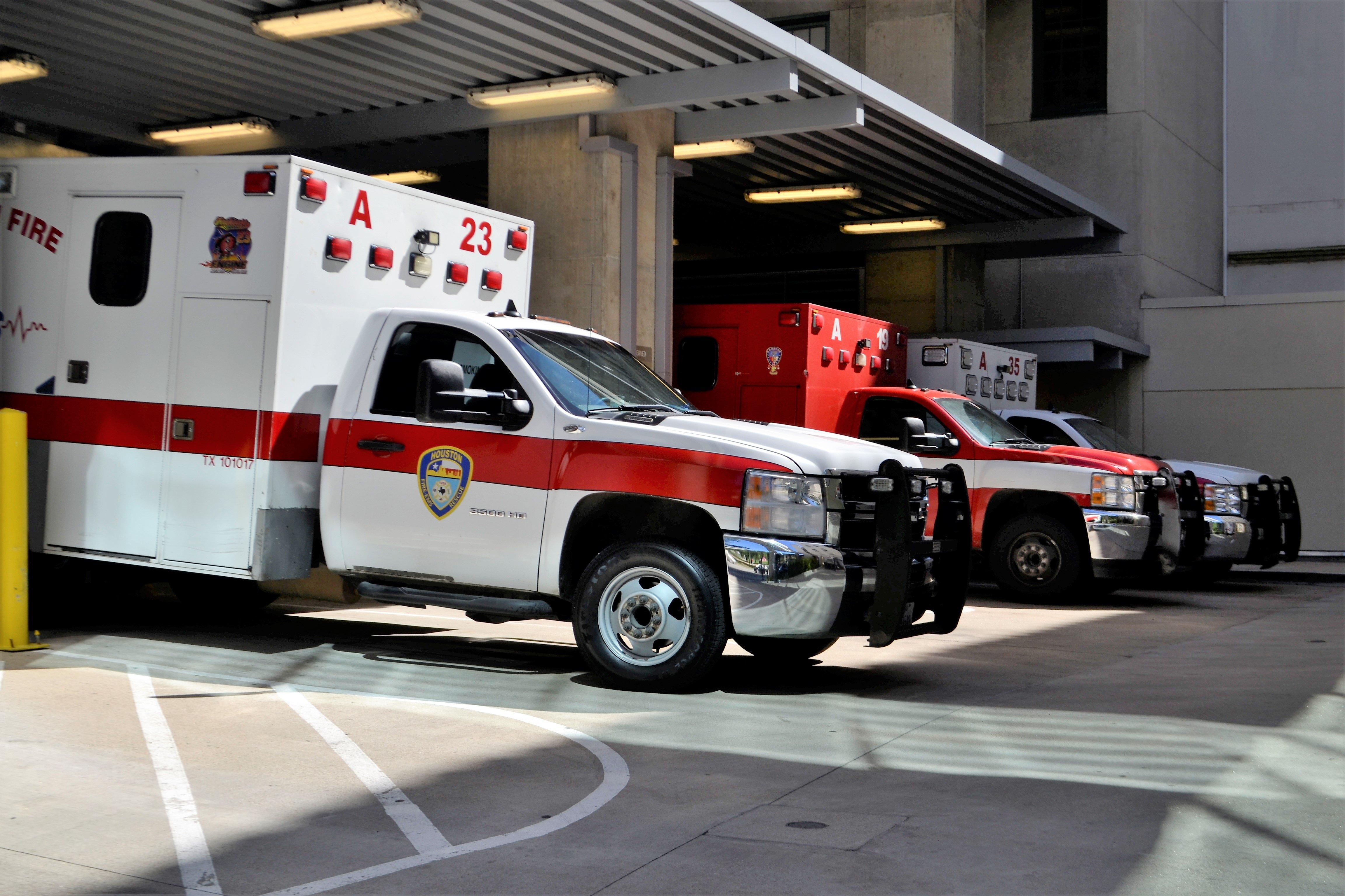Ambulances02.jpg