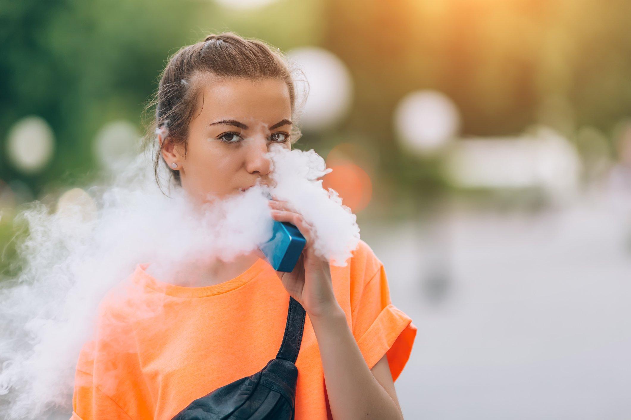 teen-vape-vaping-stock-getty-e-cigarette.jpg